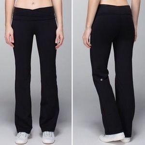 Lululemon straight leg yoga pants black 8